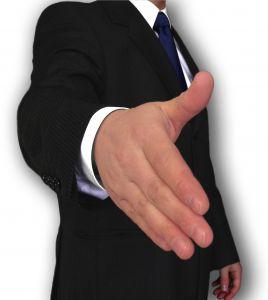 cierra contratos con crédito personal.