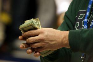 La letra de cambio evita manejar grandes montos y pagarlos a futuro.